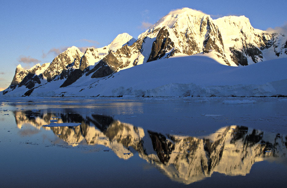 Lemaire Channel, Antarctica (Time Lapse) - YouTube